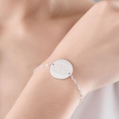 Image de Bracelet avec disque monogramme en argent sterling 925 - fait sur mesure avec toute initiale