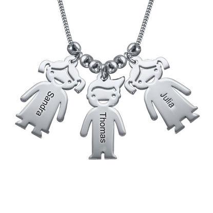 Imagen de Collar de plata para madre con dijes infantiles