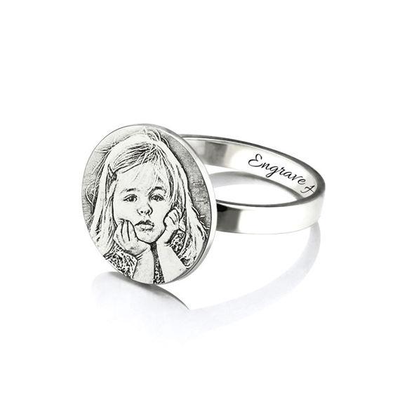 Imagen de Regalo conmemorativo personalizado con anillo grabado de foto en plata de ley 925