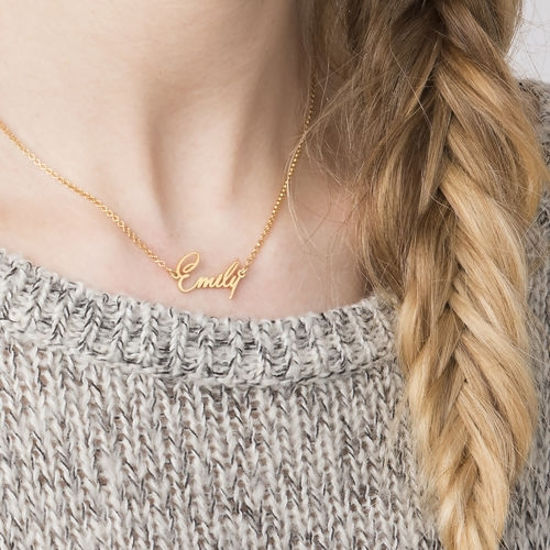 Imagen de Personalized Tiny Stylish Name Necklace in 925 Sterling Silver
