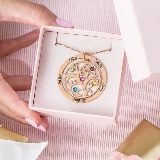 Imagen de Personalized Circle Family Tree Birthstone 7 Names Necklace