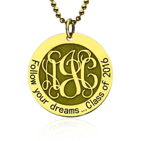 Imagen de Follow Your Heart Monogram Necklace Collar de graduación en oro