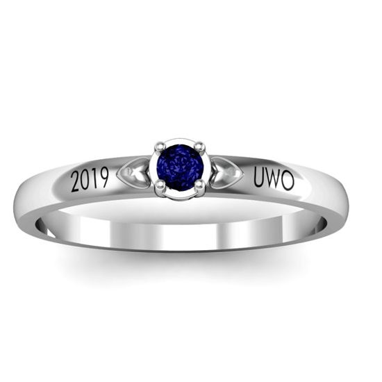 Imagen de Heart Surrounded Solitaire Ring