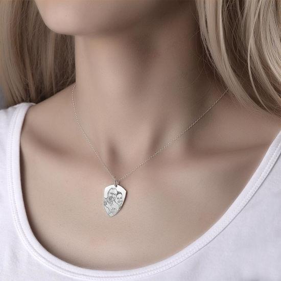 Immagine di Collana con foto con etichetta a cuore incisa in argento