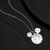 Imagen de Collar de etiqueta con foto grabada con grabado de plata