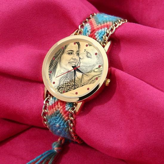 Immagine di Cinturino in corda intrecciata di colore intrecciato con orologio personalizzato oro per donna