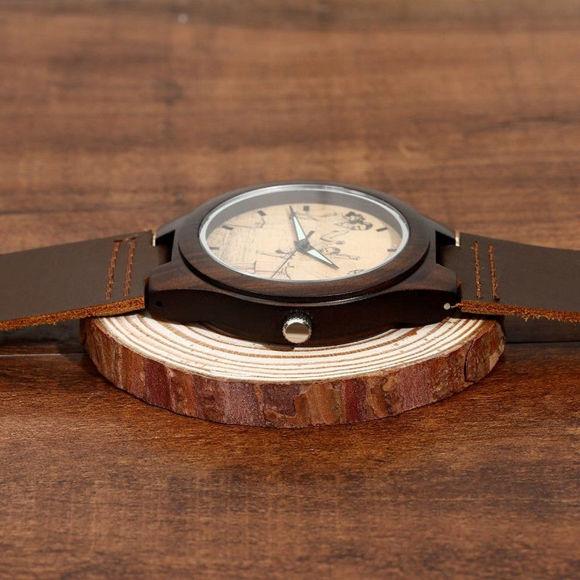 Imagen de Reloj fotográfico de madera grabado para hombre, correa de cuero marrón