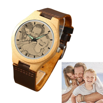 Imagen de Men's Engraved Bamboo Photo Watch Brown Leather Strap