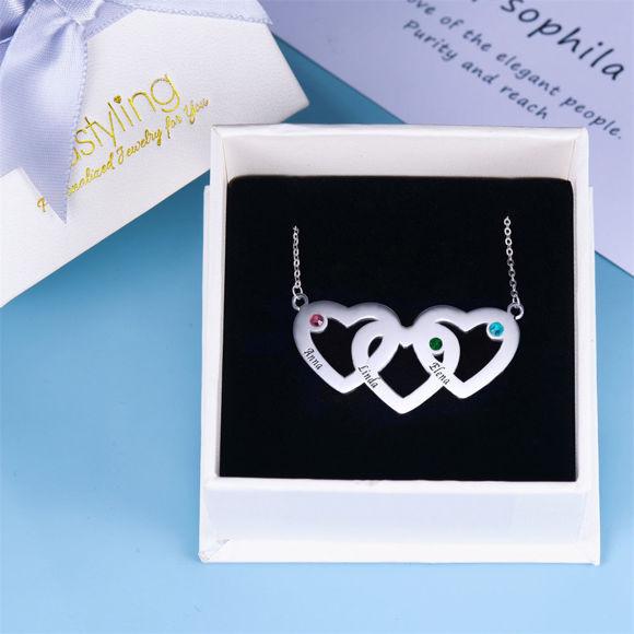 Imagen de Collar con nombre de piedra natal de tres corazones entrelazados en plata de ley