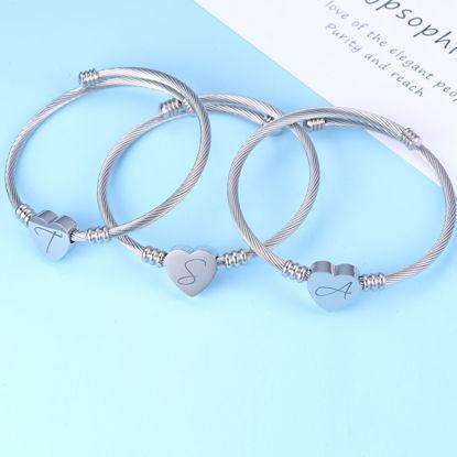 Image de Bracelet avec coeur et initiale en acier inoxydable