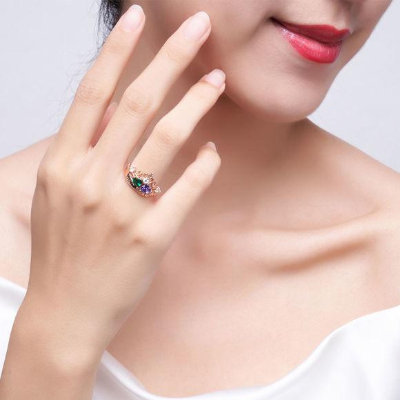 Immagine di Anello di graduazione diadema con gemma a cuore doppio inciso con accenti