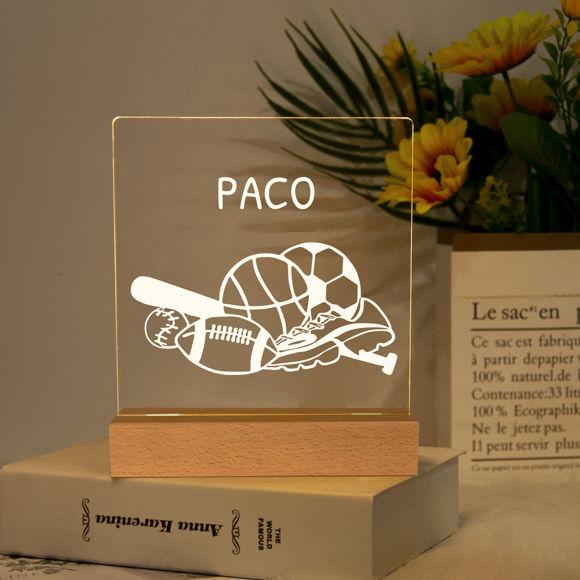 Immagine di Luce notturna sportiva: personalizzata con il nome di tuo figlio