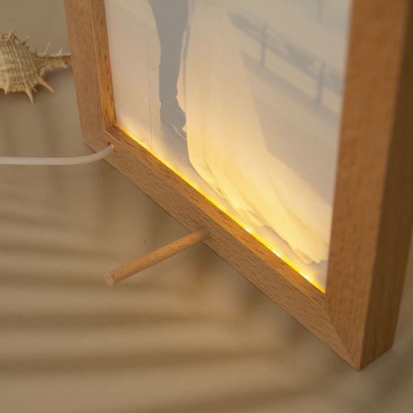 Immagine di Lampada da notte a LED con cornice per foto in legno personalizzata colorata con la tua bella foto
