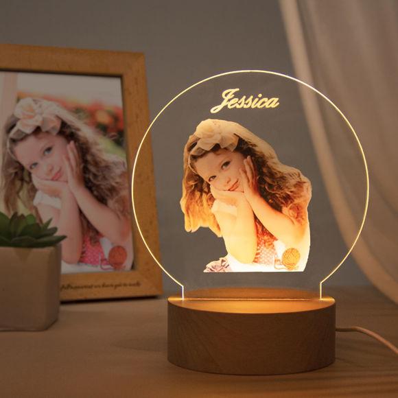 Immagine di Luce notturna rotonda a colori personalizzata - Personalizza con la tua bella foto