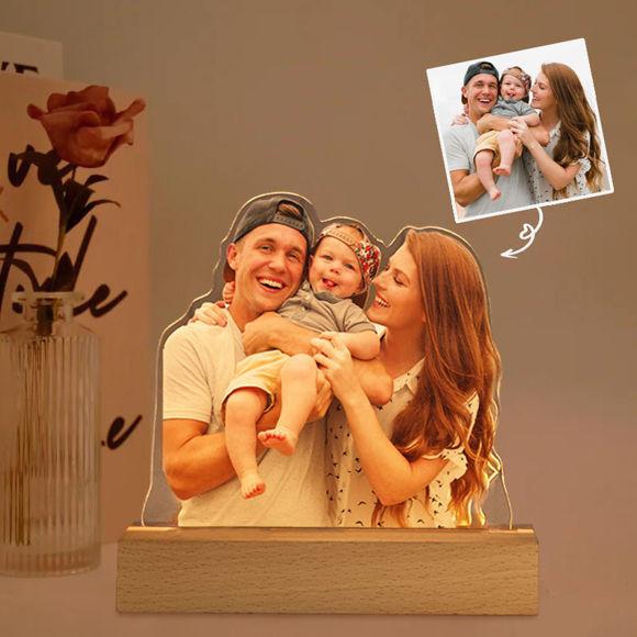 Immagine di Lampada da notte 3D con base in legno personalizzata colorata con la tua bella foto